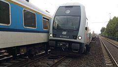 Podle Drážní inspekce zavinila páteční srážku vlaků v Běchovicích pravděpodobně lidská chyba