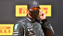 Deštivou kvalifikaci F1 ve Štýrsku jasně ovládl Hamilton. 'Připadal jsem si jako na surfu,' smál se