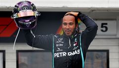 Nezastavitelný Hamilton. V Maďarsku vyrovnal Schumacherův rekord a vede MS