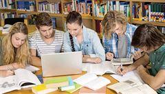Nový trend: online titul z ciziny. Prestižní zahraniční univerzity lze vystudovat z obýváku