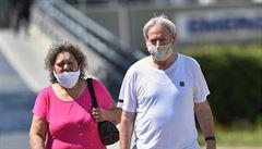 Liberecký a Ústecký kraj znovu zavedly povinné roušky v lékárnách či u lékařů