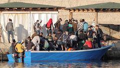 Ostrov Lampedusa chce kvůli nebývalému počtu přicházejících migrantů vyhlásit stav nouze