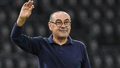 """VIDEO: 'Když získali titul se mnou, budou asi fakt dobří,"""" vtipkoval kouč Juventusu během oslav. Dostal i cigaretu"""