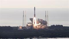 Odstartovala raketa Atlas V s unikátním robotickým vozítkem. Na Marsu bude hledat stopy po životě