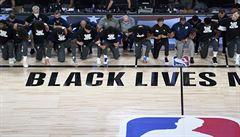 VIDEO: Dramata v NBA rozhodli James a hříšník Gobert. Hráči vyjádřili podporu v boji proti rasismu