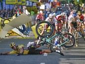 Státní zastupitelství se začalo zabývat hrozivou nehodou Jakobsena. Mezi důkazy jsou i kola závodníků