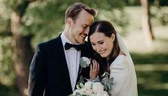 Čtyřiatřicetiletá finská premiérka Marinová se provdala, vzala si otce své dcery