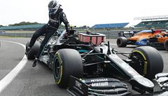 Mercedes opět vládl kvalifikaci F1, Bottas ale tentokrát předčil Hamiltona