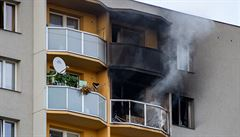 Stav dvou lidí zraněných při požáru v Bohumíně je dál velmi vážný, jeden z nich je napojen na plicní ventilaci