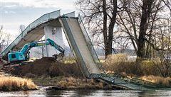 Autor spadlé trojské lávky se hájí, že v roce 2017 vyzýval k opravě. Praha požaduje 8,2 milionu korun