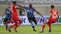 Inter slaví postup i přes dvě odvolané penalty, United zlomili Kodaň až v prodloužení