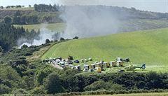 Ve Skotsku vykolejil vlak, tři lidé zemřeli, jeden člověk se pohřešuje. Nehodu asi zapříčinil sesuv půdy