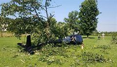 V zámeckém parku v Žamberku havaroval při vzletu vrtulník. Ze čtyř cestujících je jeden lehce zraněný