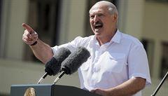 'Já prostě jen tak neodejdu,' řekl Lukašenko. Připustil ale předčasné volby po ústavní reformě