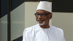 Prezident Mali odstoupil v zajetí vojáků z funkce. Vývoj v zemi odsoudila EU i OSN