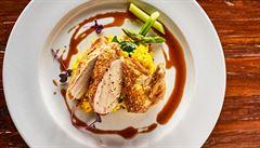 Kuře supréme s šafránovým rizotem a chřestem podle šéfkuchaře