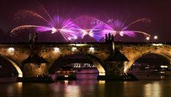 Praha šetří: na Nový rok poprvé po letech neuspořádá ohňostroj ani videomapping