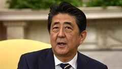 Japonský premiér Šinzó Abe skončí ve funkci, může za to zhoršený zdravotní stav