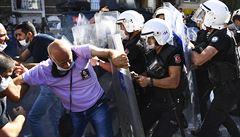 Turecká advokátka zemřela kvůli hladovce za spravedlivý proces. Na pohřeb 'dohlédla' policie