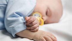 Za ochrnutí dítěte zaplatí Vinohradská nemocnice 30 milionů, rozhodl soud