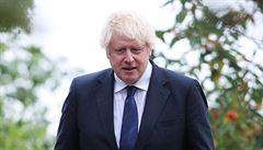 Británie zpřísní opatření proti koronaviru. Hospody budou zavírat ve 22 hodin