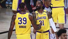 Lakers přehráli Houston o deset bodů a vedou 3:1 na zápasy, Houstonu se nedařilo v malé sestavě