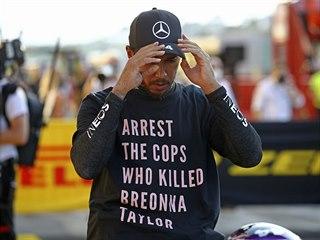 Lewis Hamilton znovu vyjádřil podporu v boji proti rasismu.