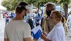 Vědci kritizují vládu kvůli pandemii: Měla by se opírat výlučně o názory odborníků, rozhodnutí činila chaoticky