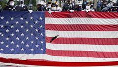 USA vzpomínaly na 11. září. Páteční pieta se konala jinde než obvykle, kampaň omezil jenom Biden
