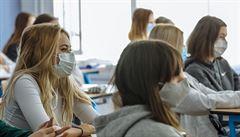 Pražské gymnázium podalo stížnost proti nutnosti obnovit výuku, pro žáky to prý není bezpečné