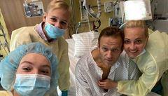 Stav Navalného se zlepšuje, zveřejnil foto z nemocnice. Po zotavení se hodlá vrátit do Ruska