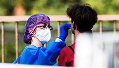 V Praze přibylo za čtvrtek 730 případů koronaviru, jde o třetí nejvyšší nárůst