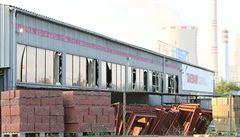 Hasiči zlikvidovali požár muničního skladu v Bílině. Město o jeho existenci nevědělo, tvrdí starostka