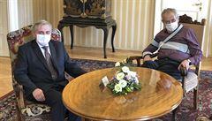 Zeman přijal šéfa ÚOHS Rafaje, o jehož odvolání usilují vládní strany. Výsledek schůzky je nejasný