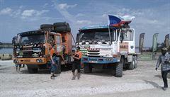 NOMÁDI: Posádce nabízí jen špínu, pot a nevyspání. Na palubě Balai, dělníka dálkových závodů