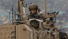 Studená válka 2.0. Jak se ubránit ve světě, kde jsou hlavní zbraní jedničky a nuly?