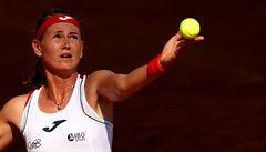 Roland Garros začal. V chladné Paříži končí Bouzková, postupuje Strýcová a Krejčíková