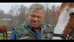 Kapitán Kirk se propůjčil šílenému filmovému projektu. S brokovnicí loví Satana