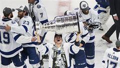 OBRAZEM: Česká radost, velký návrat i poházené hokejky. Tampa Bay slaví zisk Stanley Cupu