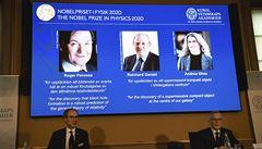 Nobelovu cenu za fyziku mají Brit, Němec a Američanka. Za výzkum černých děr