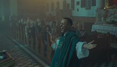 RECENZE: Lament nad farářovým koncem. Corpus Christi připomíná, že je zatuhlá společnost plná předsudků