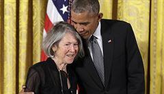 Nobelovu cenu za literaturu získala Louise Glücková, některé sbírky americké básnířky vyšly i v češtině