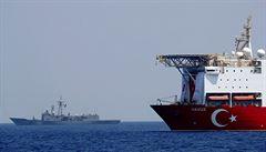 Turecko stáhlo z vod u Kypru průzkumnou loď Yavuz. Přesun může zmírnit napětí ve Středozemním moři