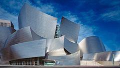 Rozevlátá perla z města andělů. Koncertní sál v Los Angeles je typickou ukázkou tvorby Franka Gehryho