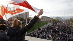 Třicet tisíc lidí vyrazilo do ulic. V Minsku opět protestují odpůrci prezidenta Lukašenka