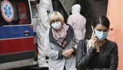 Covidová pandemie v Evropě neztrácí na síle, vysoké přírůstky nakažených hlásí Francie, Itálie nebo Británie