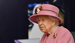 Načapaná královna. Na YouTube se objevil desítky let utajovaný dokument ze soukromí Alžběty II.