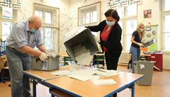 ON-LINE: Starostové ovládli volby do Senátu, vládní koalice propadla. ČSSD nebude mít ani vlastní klub