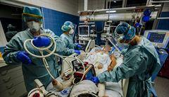 Špatné vyhlídky. Kapacity nemocnic se do konce října vyčerpají, i když se vyplní nejoptimističtější scénář