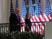Úspěch Trumpa před volbami. Americký Senát schválil nominaci Barrettové do nejvyššího soudu